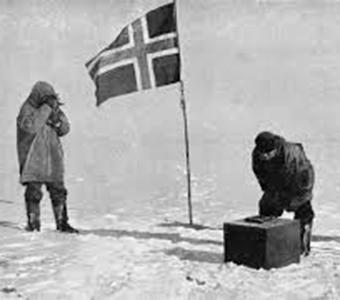 Die Expeditionsgruppe um Roald Amundsen erreicht den Südpol